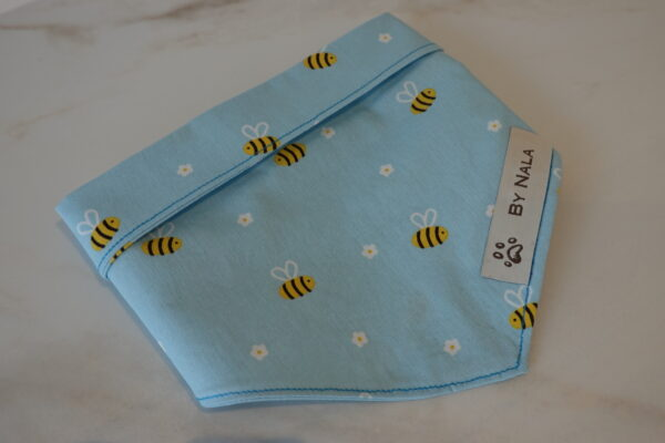 Handmade by Nala bees Light Blue